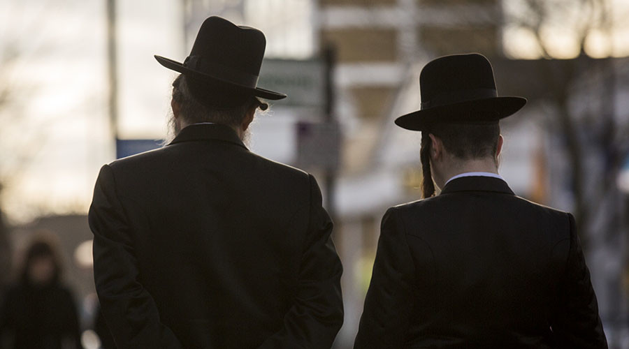 Former Hasidic Jew speaks out over custody battle with ultra-Orthodox community (VIDEO)
