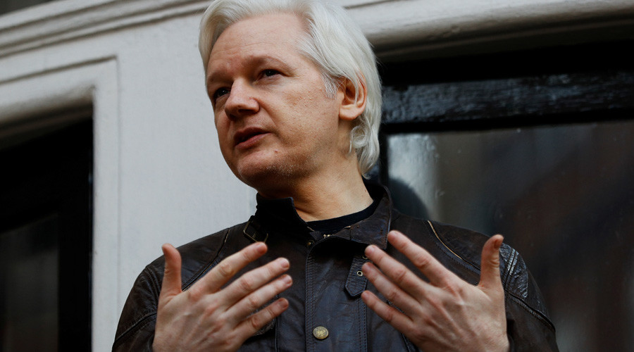 Comey hailed as 'intelligence porn star' by Assange, as Snowden defends 'leak'