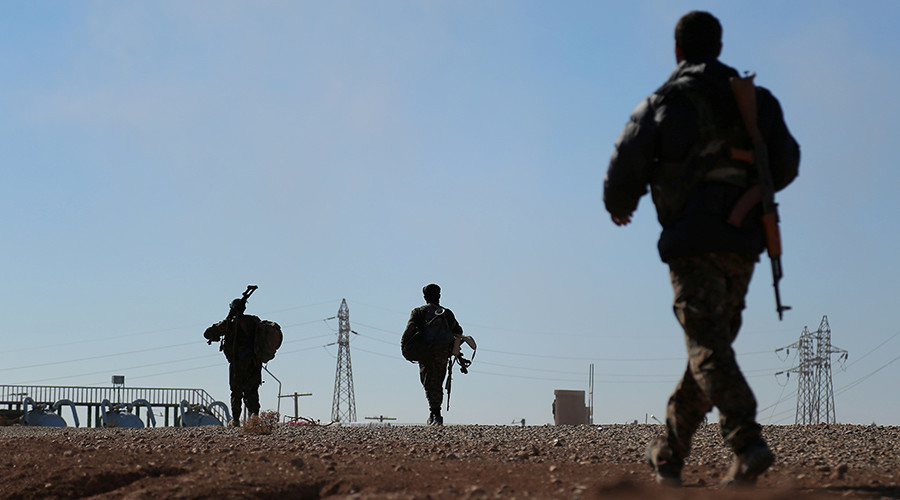 Syrian army reach Iraqi border, announce 'strategic turning point' in war on ISIS