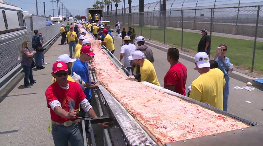 What a time to be alive! World's longest pizza stretches almost 2km (VIDEO)