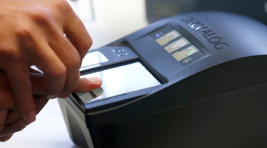Germany to fingerprint 6yo asylum-seekers & monitor messenger apps over terrorism fears