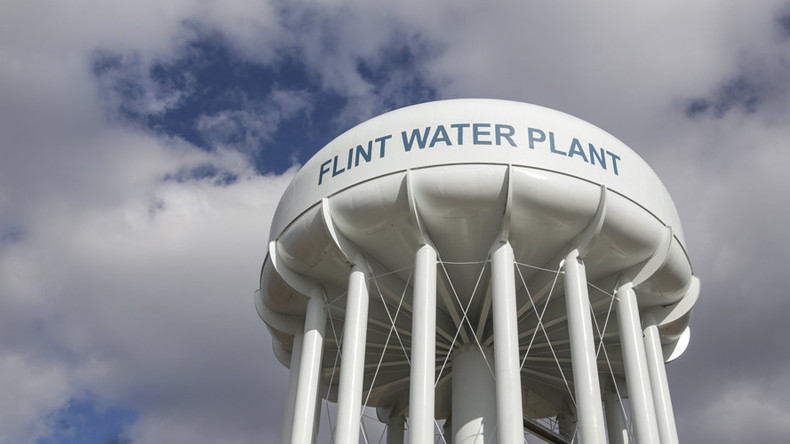 5 officials indicted on manslaughter charges over Flint water crisis