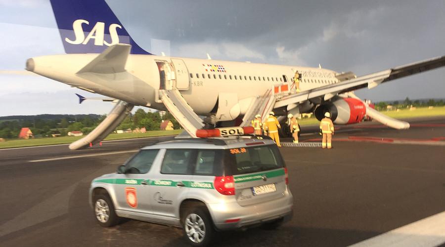 SAS jet makes emergency landing due to smoke in cabin