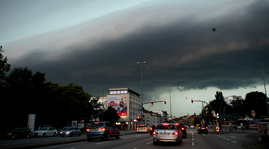 Tornado tears through Hamburg after extreme heat wave (PHOTOS, VIDEOS)