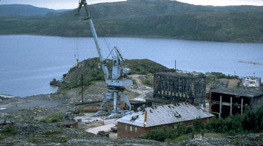 Russia begins removal of nuclear waste from Cold War-era submarine base