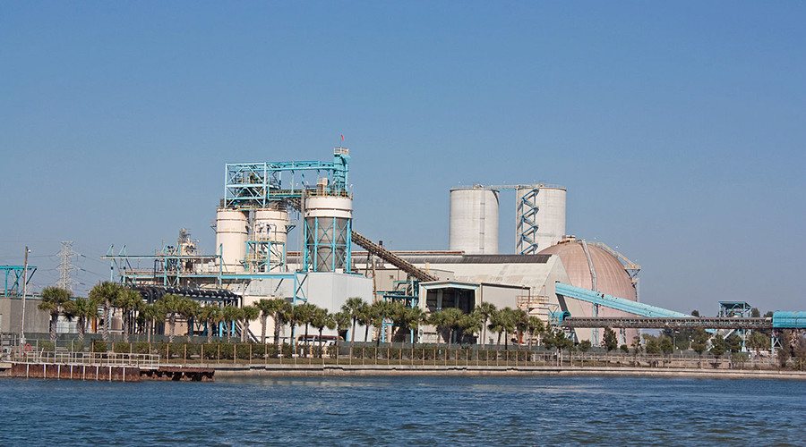 2 dead, 4 critically injured in industrial accident at Florida power plant
