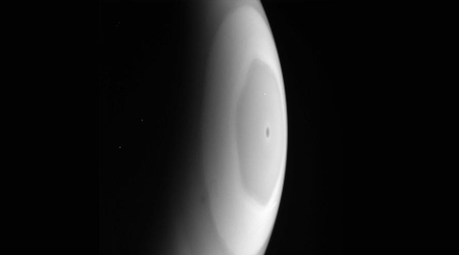 Out of this world: Cassini snaps rare photos of Saturn's 'hexagon' storm (PHOTOS)