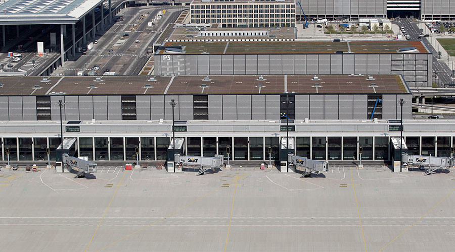Failure-port: In Berlin's unfinished air hub, only half the doors work & sprinklers still a problem