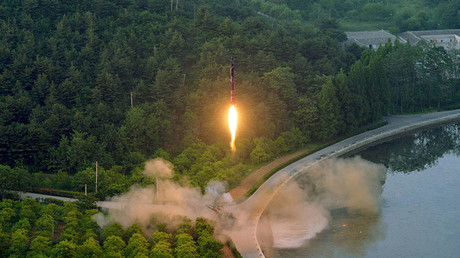 Undated photo of a ballistic rocket test launch released by North Korea's Korean Central News Agency (KCNA) May 30, 2017 © Reuters