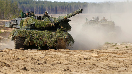 German army battle tanks Leopard 2 return after NATO eexercise in Pabrade, Lithuania, May 17, 2017  © Ints Kalnins