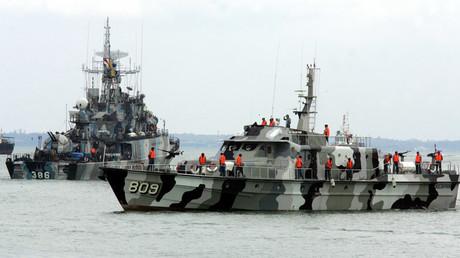 FILE PHOTO. Indonesian navy ships © Supri