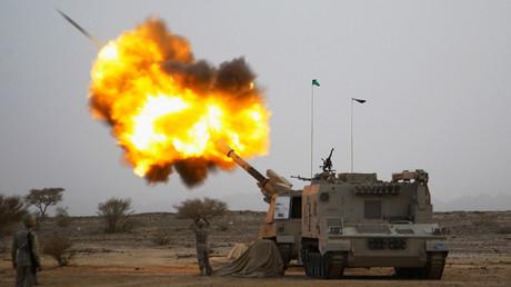 Saudi army artillery © Reuters
