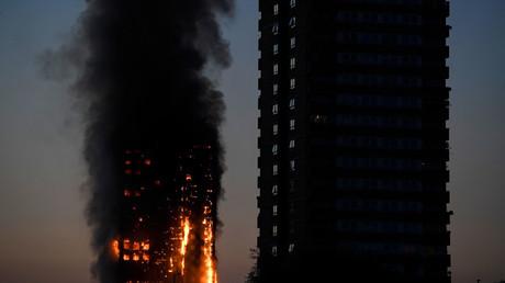 【英】ロンドン高層住宅火災 6人死亡 犠牲者増えるおそれ 残された人いる可能性★5 [無断転載禁止]©2ch.netYouTube動画>9本 ->画像>66枚