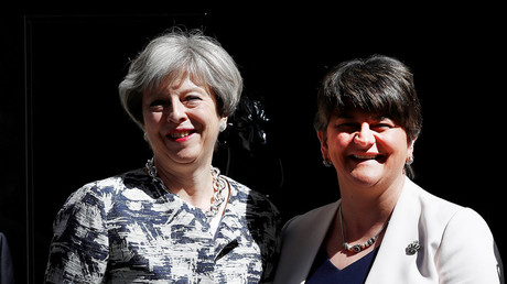 Britain's Prime Minister, Theresa May and Democratic Unionist Party (DUP) Leader Arlene Foster © Stefan Wermuth