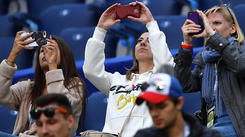 Cheese! - 1.5 million worth of selfies sent at Confed Cup thanks to free stadium WiFi