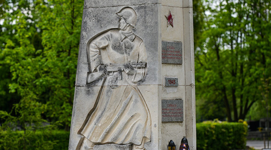 Communist MP wants Poland ties severed over threat to Red Army monuments