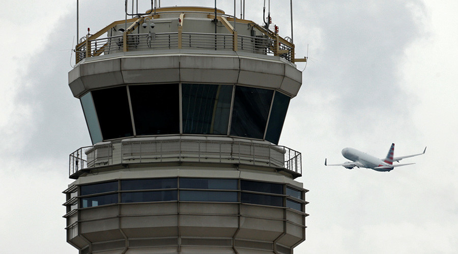 Fumes at FAA control center ground DC-area flights for hours