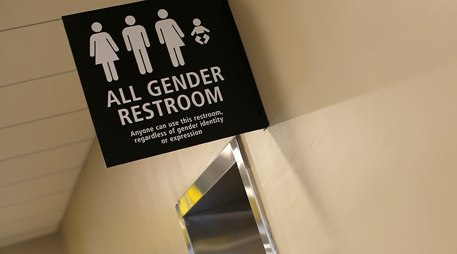 Texas lawmakers split over bathroom bill, hold special session