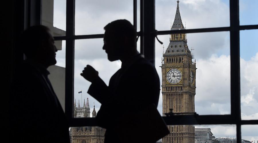 Govt 'powerless' to stop revolving door between civil service & big business – report