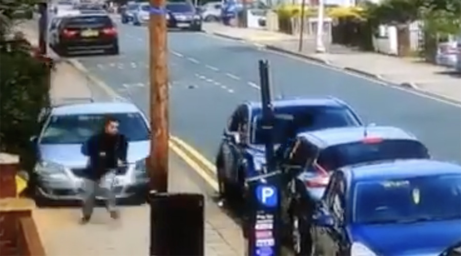Car plows into gang fight on London street (VIDEO)
