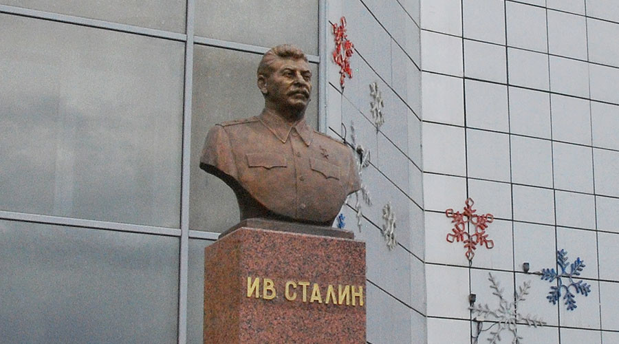 Most Russians support idea of Stalin monuments, poll shows