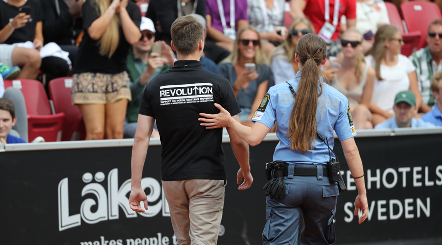 Nazi intruder bypasses security, invades Swedish Open tennis court (VIDEO)