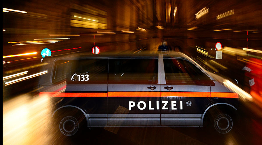 Vienna police hunt for 2 metro riders discussing bomb in Arabic