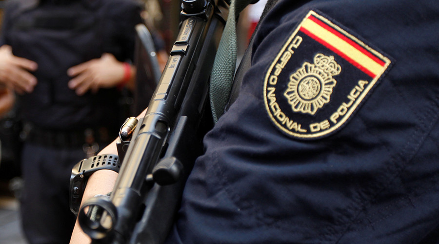 Knife-wielding man shouting 'Allahu Akbar' attacks Spanish police officers (VIDEO)