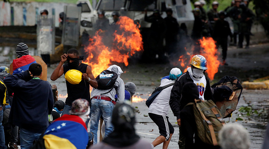 Venezuela election: Democratic process or path to 'unconstitutional' reform? (VIDEO DEBATE)