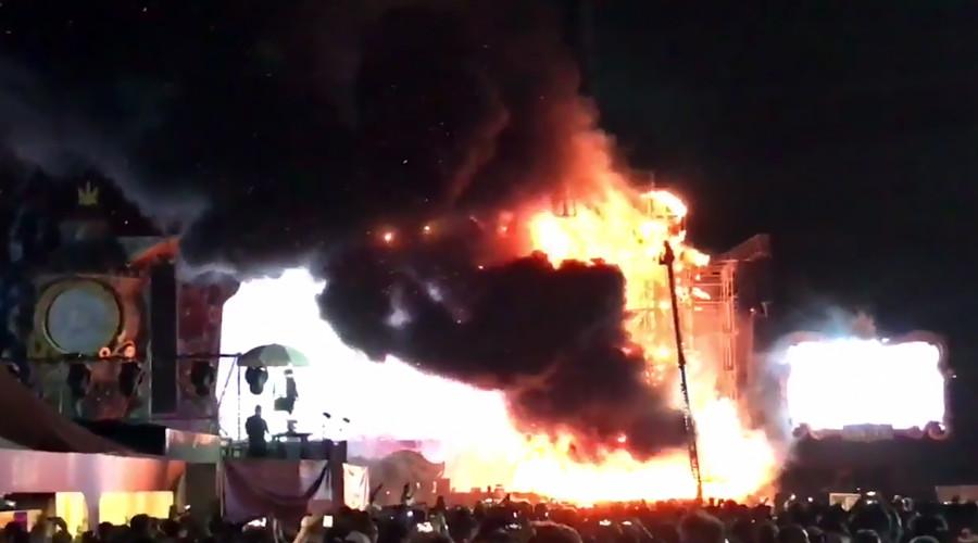 Massive Barcelona festival fire evacuates 22,000 (VIDEOS)