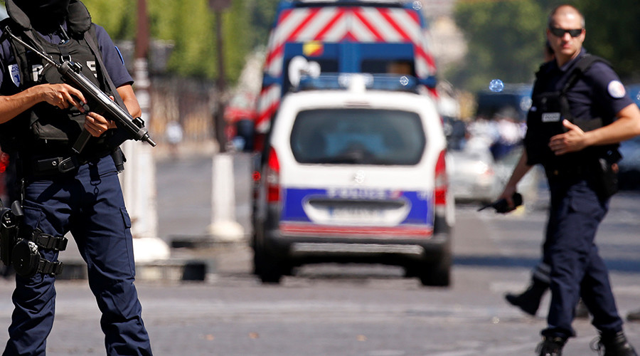Driver crashes to his death after slamming into police officers in western France