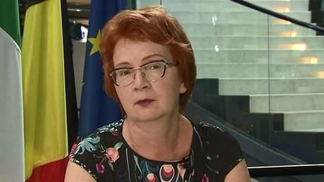 Handshake on the Elbe? Ft. Yana Toom, Estonian MEP