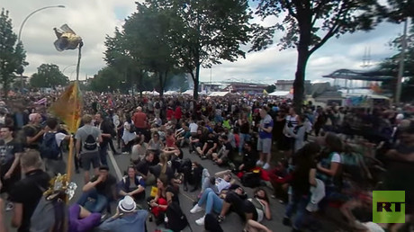 Hamburg in 360: Anti-G20 protesters rally in German city