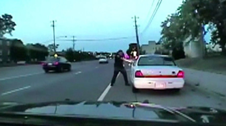 A still photo taken from a dashcam video shows the July 2016 police shooting of Philando Castile, a black motorist, during a traffic stop in Ramsey County, Minnesota, U.S., by officer Jeronimo Yanez released June 20, 2017. © Reuters