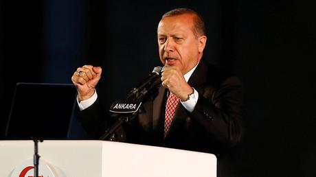 Turkey's President Tayyip Erdogan addresses in front of the Turkish Parliament in Ankara, Turkey July 16, 2017 © Umit Bektas