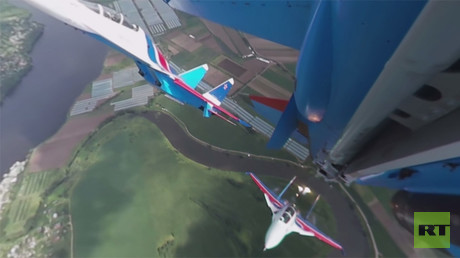 MAKS 2017: 'Russian Knights' aerobatics group stunning stunts (360 Video)