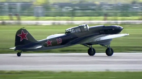 Restored WW2-era fighter jet performs at MAKS Air Show
