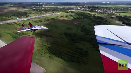 MAKS 2017: Head-spinning 360 video of legendary aerobatic team 'Strizhi' stunts