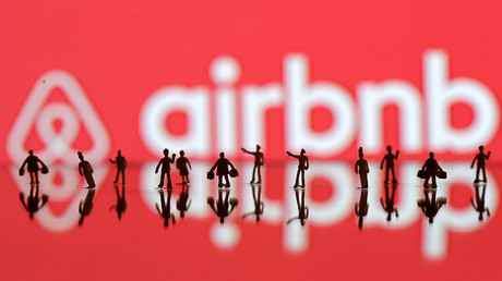 The contracts scam and the AirBNB host who racially discriminated an Asian woman