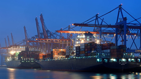 A containership at a loading terminal is seen in the port of Hamburg, Germany ©Fabian Bimmer