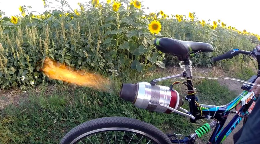 Russian engineering: Jet engine & bike combine for epic turbo-charged ride (VIDEO)