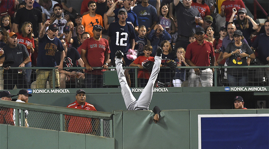 Best catch ever? Cleveland Indians star Austin Jackson stops homer with amazing leap