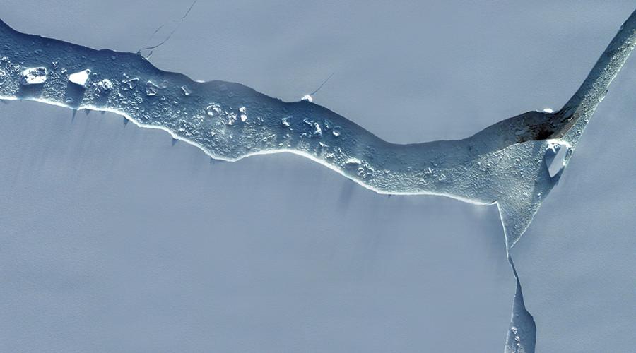 New satellite images show Antarctica's 1 trillion ton iceberg in stunning detail (PHOTOS)