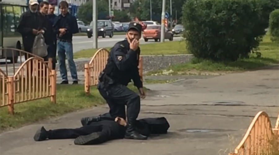 Russian knife attacker shot dead by police
