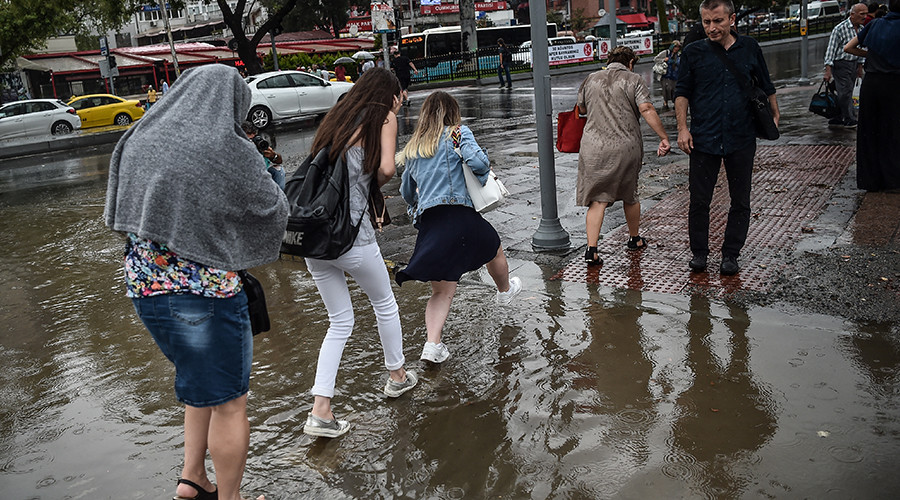 'Turkey is not ready for this': Istanbul battered by 3rd mega-storm this summer (VIDEOS)
