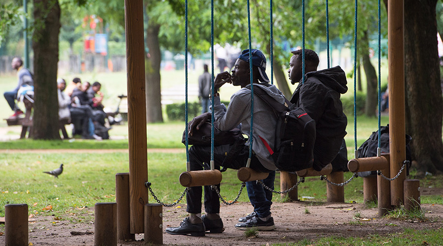 New 'Jungle?' Hundreds of migrants set up camp in Brussels park