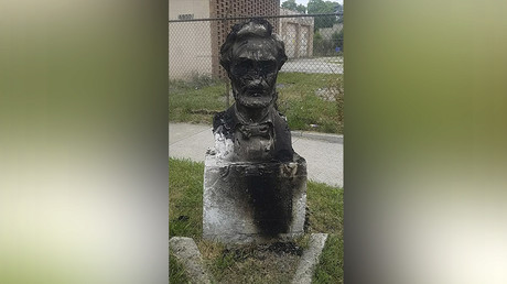 Chicago official blames Trump for 'disgraceful' vandalism of Lincoln bust