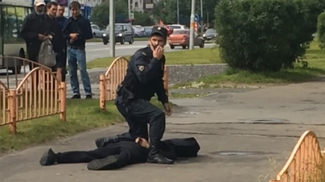 Knife attack in Russian city of Surgut, 8 injured, assailant killed by police (VIDEO)
