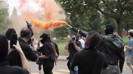 Counter-protesters clash with police in Canada during anti-immigrant rally