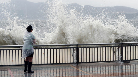 Typhoon Hato hits Macau & Hong Kong, leaves 5 dead (PHOTOS, VIDEO)